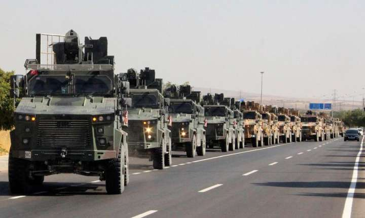 Convoi militar turc la frontiera cu Siria, 8 cotombrie 2019