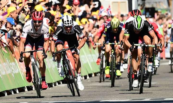 Michael Matthews câștigă etapa a 16-a la sprint
