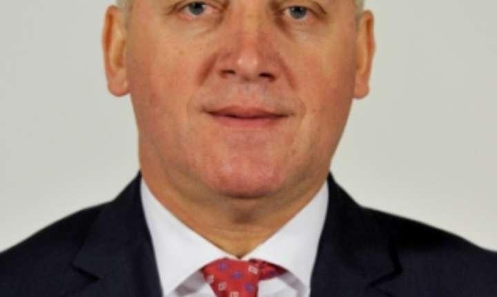 Premierul accepta demisia ministrului Apararii pe care o va trimite in aceasta seara la Cotroceni