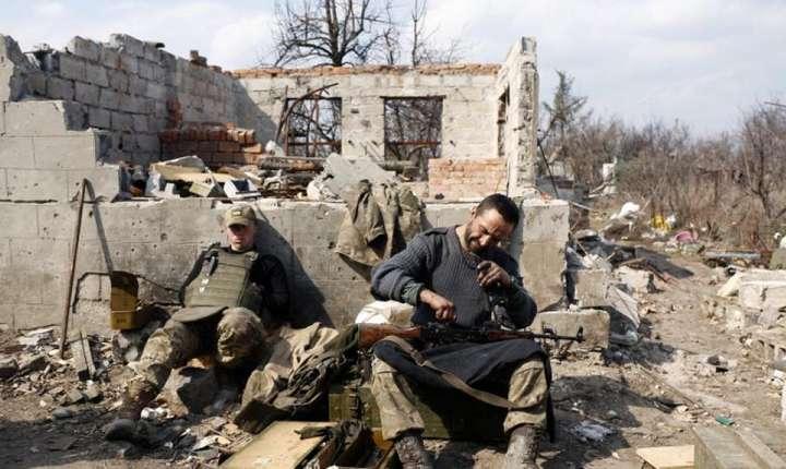 Acordul de la Minsk prevede încetarea focului în estul Ucrainei și retragerea armamentului greu