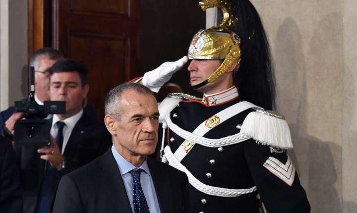 Carlo Cottarelli, însărcinat cu formarea Guvernului în Italia (Foto: AFP/Andreas Solaro)