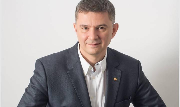 Valeriu Steriu îl critică pe președintele Klaus Iohannis (Sursa foto: Facebook/Valeriu Steriu)