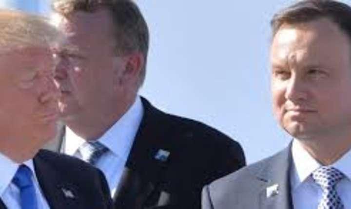 Romania ar putea gazdui summitul Initiativei celor trei mari de anul viitor
