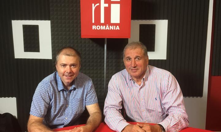 Marius Matache și Vasile Andrei in studioul de inregistrari radio RFI
