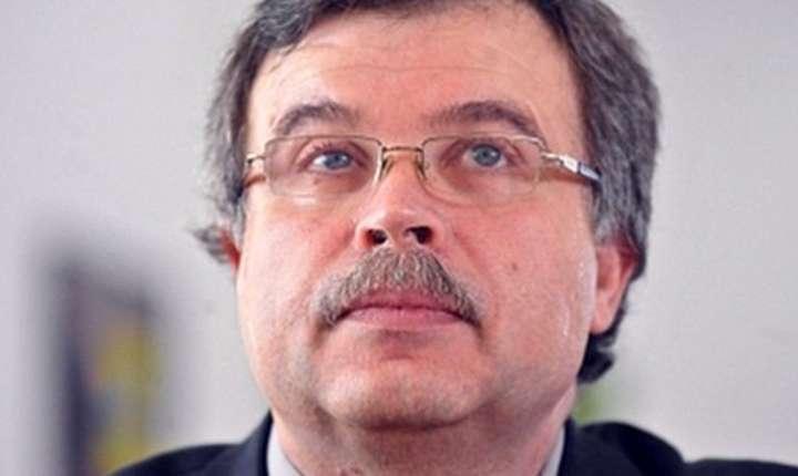 Vasile Barbu: Înlocuirea cardului CNAS, un pas înainte, dar trebuie multă atenţie