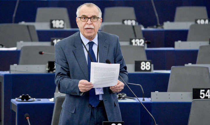 Eurodeputatul Victor Boştinaru critică situaţia din PSD şi Guvern (Foto: © Parlamentul European)