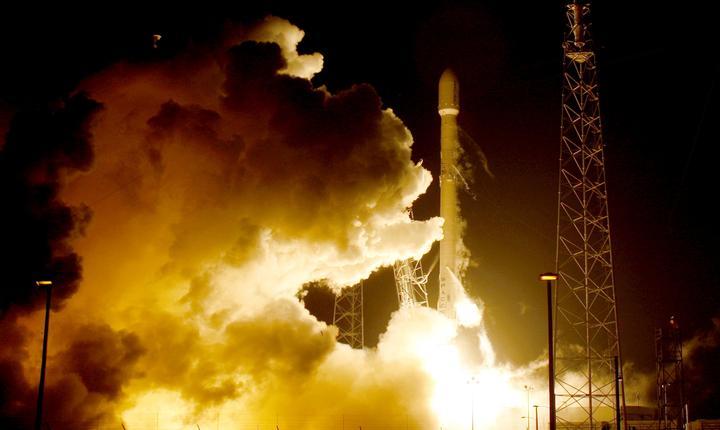 Lansarea rachetei Falcon 9, la Cape Canaveral, Florida (Foto: Reuters/Joe Skipper)