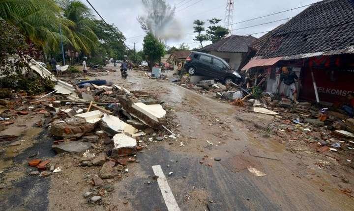 Casă distrusă de tsunami-ul din 22 decembrie 2018, din Indonezia (Foto: Ronald/AFP)
