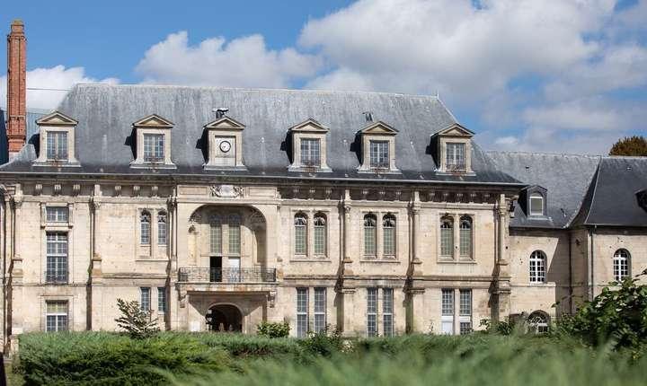 "Castelul de sec.16 de la Villers-Cotterêts (23.000 m2) ar urma sà devinà ""Cetatea Francofoniei"""