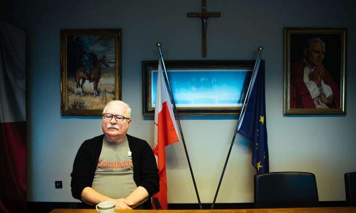Lech Walesa în Centrul de solidaritate europeanà pe care l-a creat la Gdansk, în Polonia