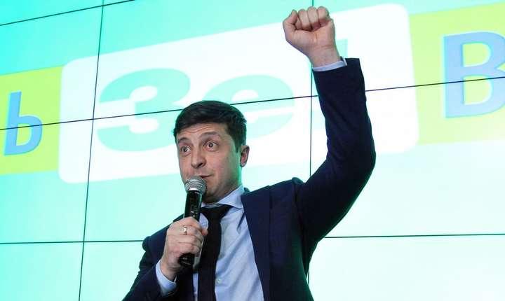 Actorul și umoristul Volodimir Zelenski are cele mai mari șanse de a deveni președintele Ucrainei