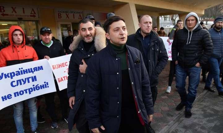 Proteste masive la Kiev față de posibila autonomie a Donbassului