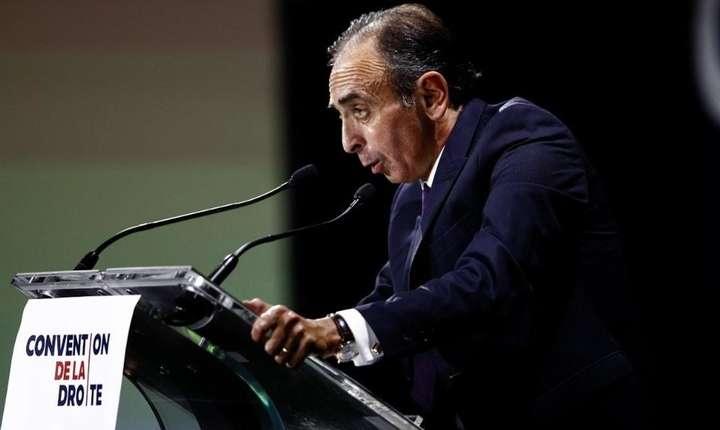 """Eric Zemmour pronunţînd un discurs la """"Convenţia dreptei"""", la Paris, pe 28 septembrie 2019"""