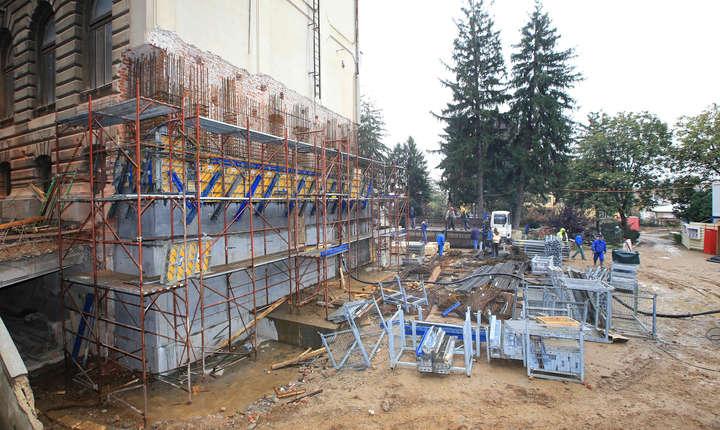 Consolidarea peretelui exterior de sud a Palatului Patriarhiei