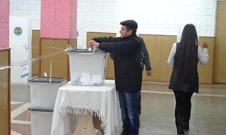Alegătorii spun că au votat pentru Igor Dodon fiindcă acesta promite reapropierea de Rusia