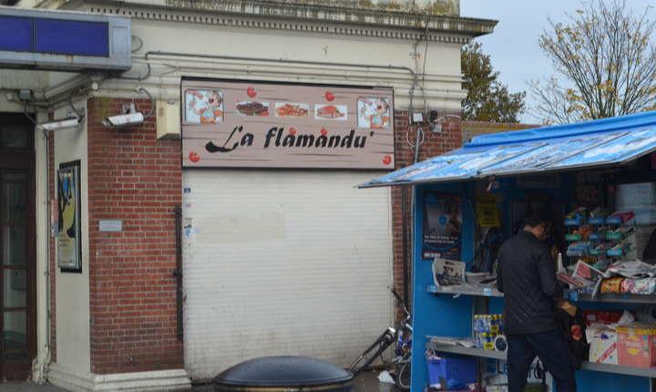 Unele afaceri românești nu rezistă, ca acest bufet din stația de metrou Burnt Oak