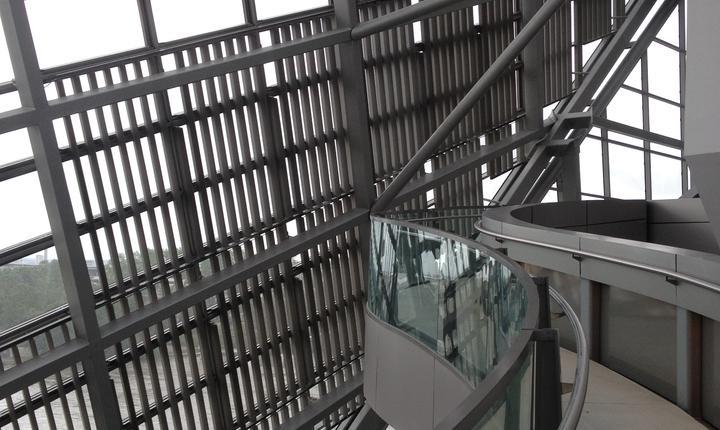 Aleea superioarà este de-a dreptul sublimà oferind niste puncte de vedere senzationale asupra orasului Lyon