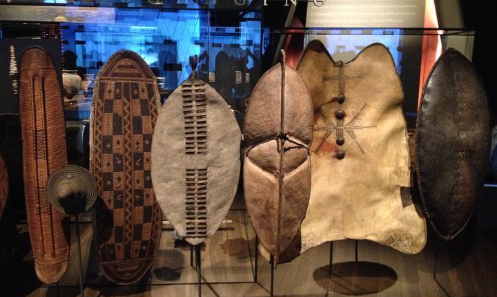 Scuturi diverse expuse la Muzeul Confluentelor