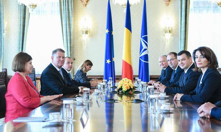 Inca doua zile de consultari ale presedintelui cu opozitia.   (Sursa foto: presidency.ro)