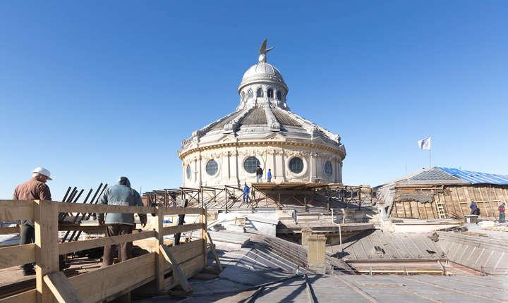 Lucrări de refacere a acoperișului Palatului Patriarhiei