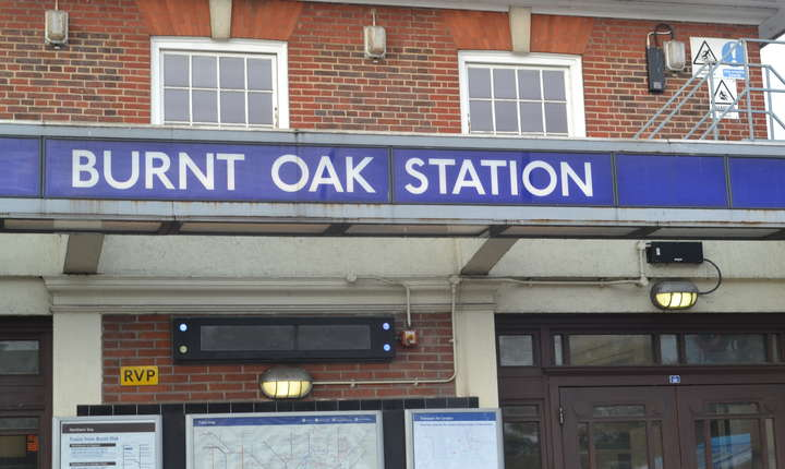 Un studiu pe toată Londra a arătat că în stațiile de metrou Burnt Oak, Colindale și Edgware româna e a doua limbă vorbită printre pasageri după engleză