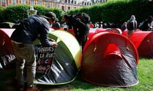 600 de migranţi erau instalaţi săptămîna trecută în Place de Vosges la Paris, între timp ei au fost cazaţi.