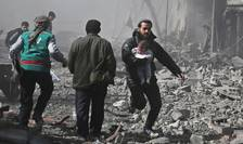 Bombardamente în enclava Ghouta, nu departe de Damasc, pe 19 februarie 2018.