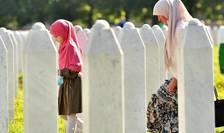 Cimitirul comemorativ de la Potocari, sat situat nu departe de Srebreniţa unde sîrbii au comis în 1995 cel mai teribil masacru împotriva bosniacilor musulmani.