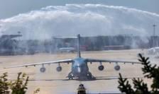 Un avion la aterizarea pe Aeroportul Internațional Shenyang Taoxian din Shenyang (CHINA)