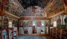 Biserica de lemn din satul Urși, judeţul Vîlcea, exemplu impresionant de restaurare.