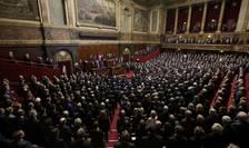 Deputaţii şi senatorii francezi reuniţi la Versailles pentru o revizuire a Constituţiei franceze