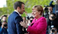Emmanuel Macron primit calduros la Berlin de Angela Merkel pe 15 mai 2017