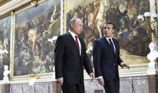 Vladimir Putin si Emmanuel Macron la Versailles