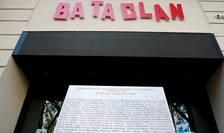 Ceremonie de comemorare a victimelor de pe 13 noiembrie 2015 la sala de concerte Bataclan.
