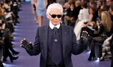 Karl Lagerfeld la o defilare Chanel în 2012