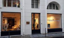 Galeria Negropontes din Paris, la doi pasi de muzeul Luvru si de viitoarea colectie Pinault
