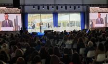 Gérard Araud, fost ambasador al Frantei în SUA si la ONU, vorbind în fata Forumului mondial Normandie pentru pace.