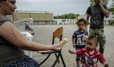 Familie de romi în apropiere de Lyon