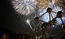 foc de artificii Atomium