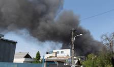 Gaze nocive emanate impreuna cu fum de un incendiu din Bucuresti