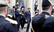 Președintele egiptean Abdel Fattah al-Sissi primit la Palatul Elysée de președintele francez Emmanuel Macron, 17 mai 2021.