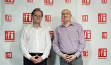 Constantin Rudniţchi și Cătălin Chivu in studioul radio RFI Romania