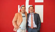 Dan Pavel și Edouard Millot in sala de conferinte a radio RFI Romania
