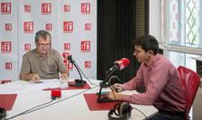 Emil Sever GEORGESCU şi Mihai CRĂCEA in studioul de emisie radio RFI Romania