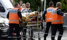 Echipe de intervenţie, la locul accidentului din Gironde (Foto: AFP/Jean-Pierre Muller)