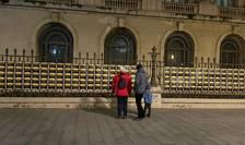 Plăcuțe comemorative, cu numele victimelor de la Revoluția din decembrie 1989 (Sursa foto: Facebook/Geeks for Democracy)