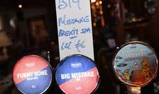 Un bar din Dublin a pus la vânzare berea Brexit, intitulată Big Mistake/Mare greşeală (Foto: Reuters/Clodagh Kilcoyne)