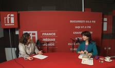 Andreea Orosz și Aurora Martin in studioul de inregistrari RFI Romania
