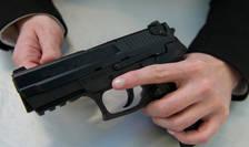 Politia nationalà francezà este echipatà cu acest model de pistol SIG-Sauer SP 2022.