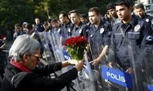 Demonstraţie pentru comemorarea victimelor atentatelor de la Ankara (Foto: Reuters/Umit Bektas)